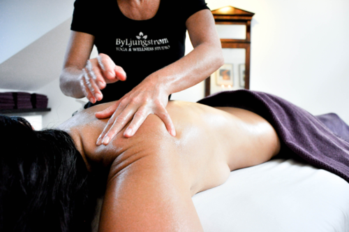 Hot Stone Fysiurgisk Massage