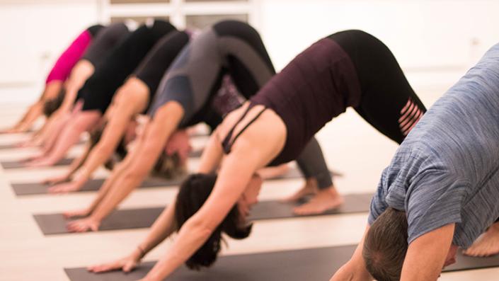 Hatha yoga byLjungstrøm